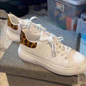 White sneakers (platform)